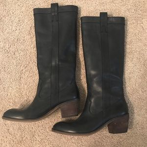 Guess tall pull on leather boots